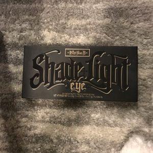 KAT VON D: SHADE + LIGHT EYE PALETTE